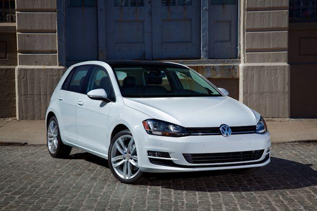 2015 Volkswagen Golf front