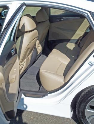 Hyundai-Sonata-Hybrid-RR-ST