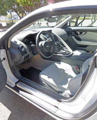 Jaguar-F-Type-S-V6-Coupe-Int