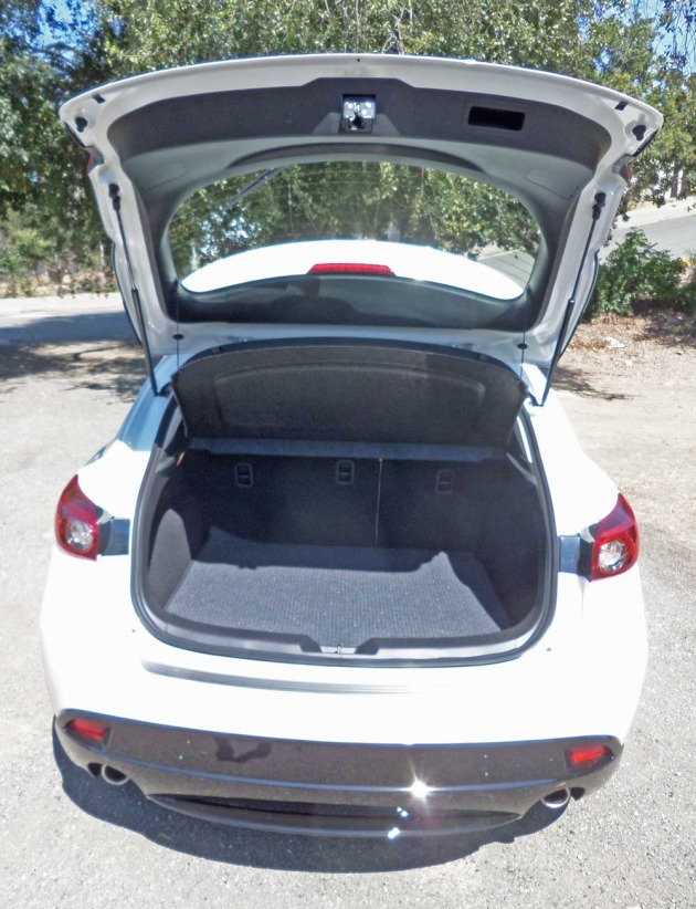 Mazda3-S-GT-5-DR-RR-Crgo