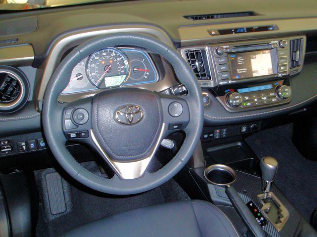 2014 Toyota RAV4 dash