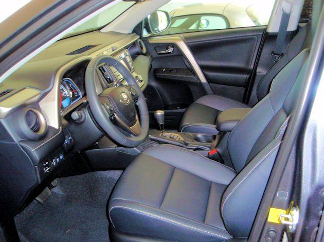 2014 Toyota RAV4 interior