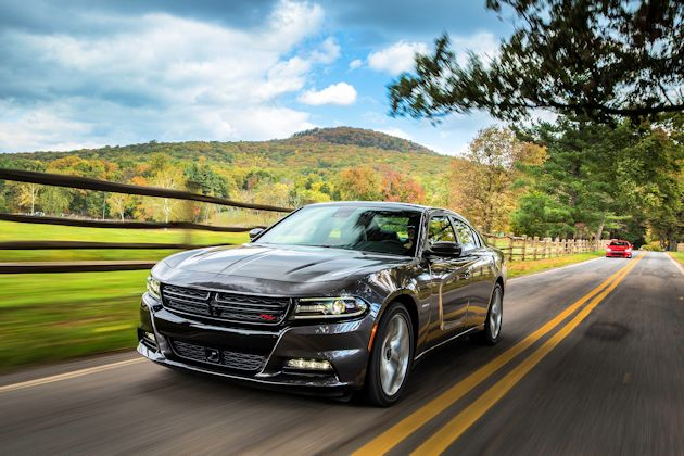 2015 Dodge Charger R-T front