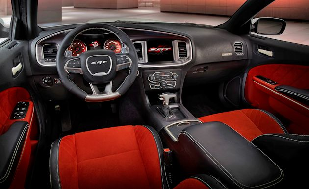 2015 Dodge Charger SRT interior