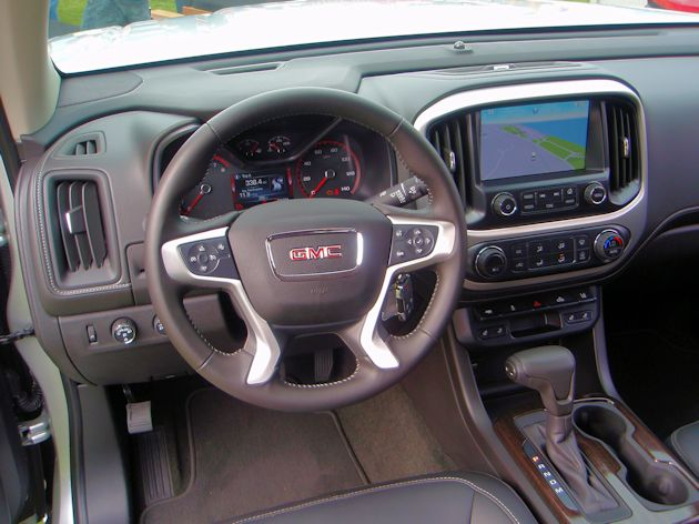 2015 General Motors Canyon dash