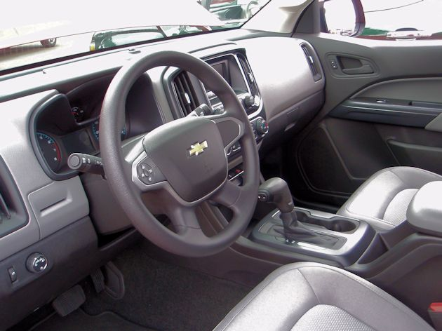 2015 General Motors Colorado interior