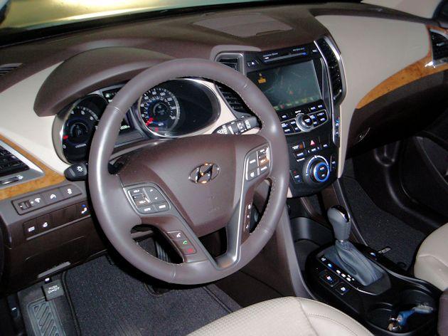 2015 Hyundai Santa Fe Sport dash2