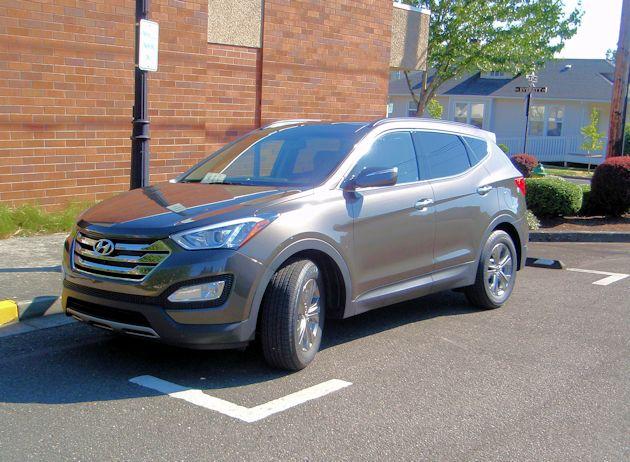 2015 Hyundai Santa Fe Sport front