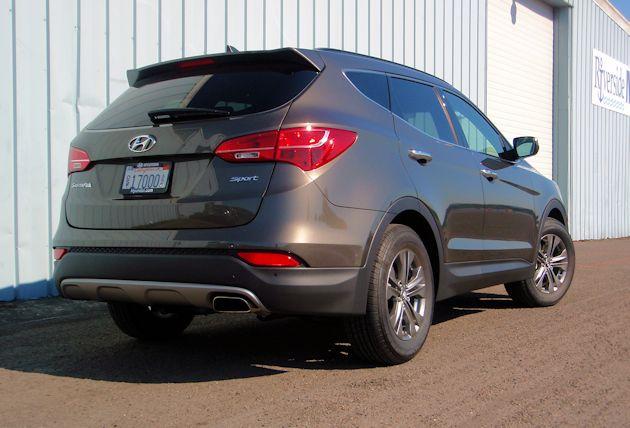 2015 Hyundai Santa Fe Sport rear q