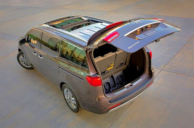 2015 Kia Sedona lift gate