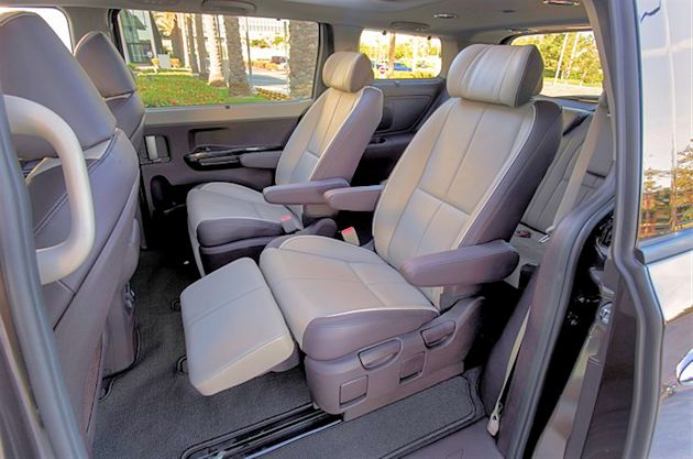 2015 Kia Sedona rear seats