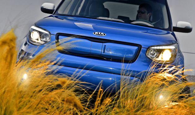 2015 Kia Soul EV front