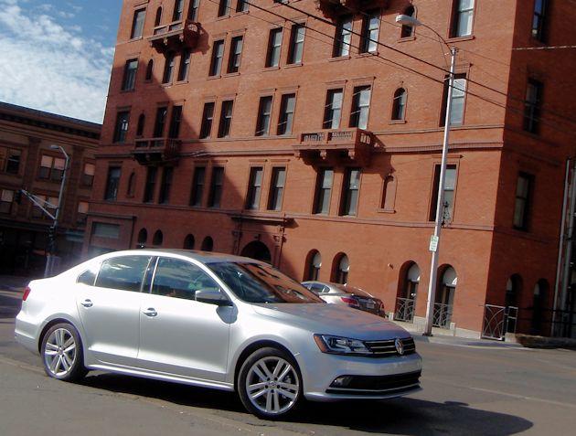 2015 VW Jetta TDI front q2