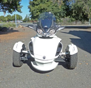Can-Am-Spyder-Nose