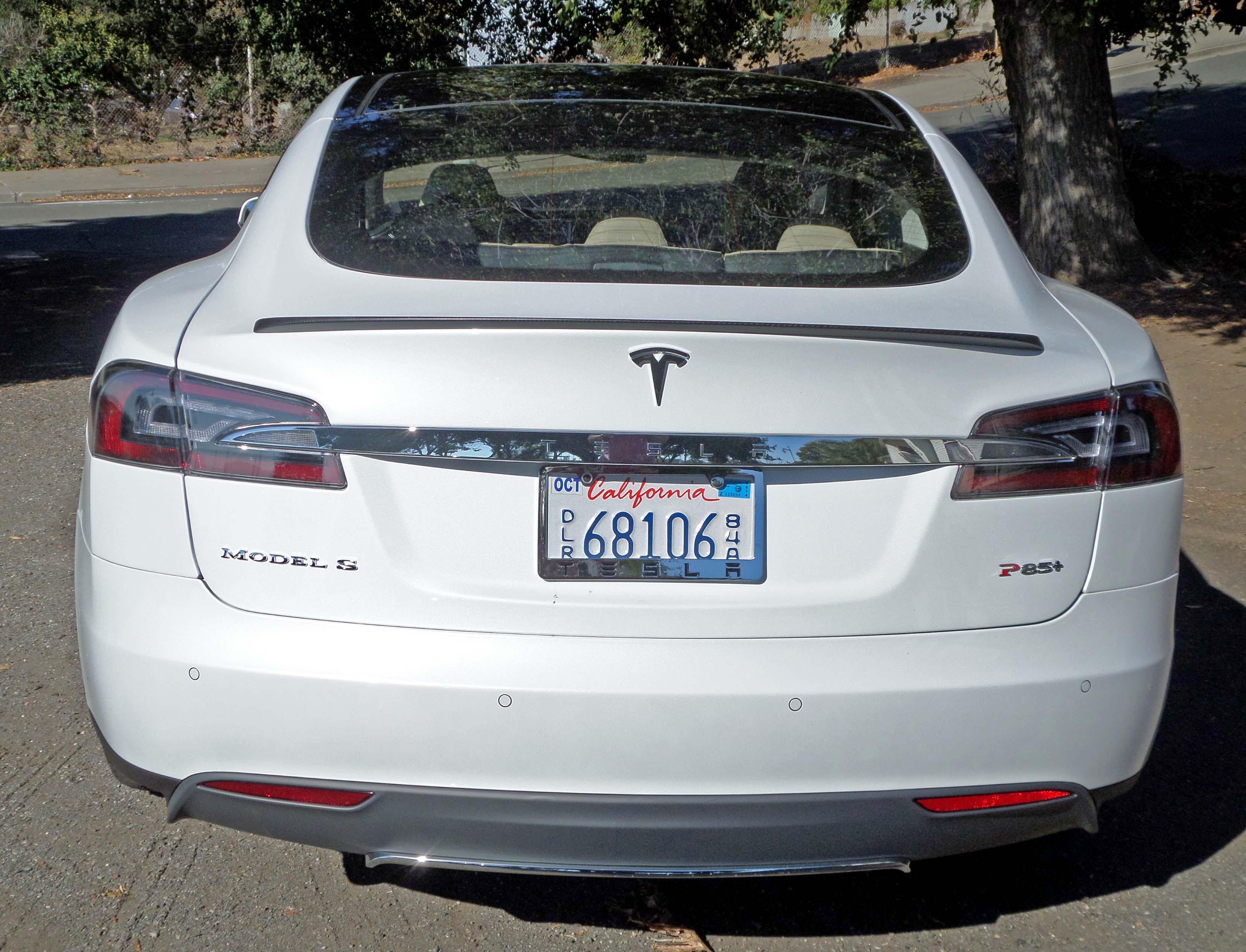 Tesla Model S P85 Tail