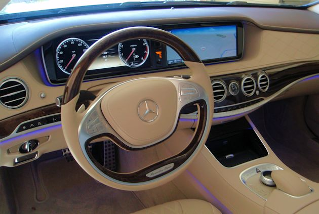 2014 Mercedes-Benz S550 dash 2