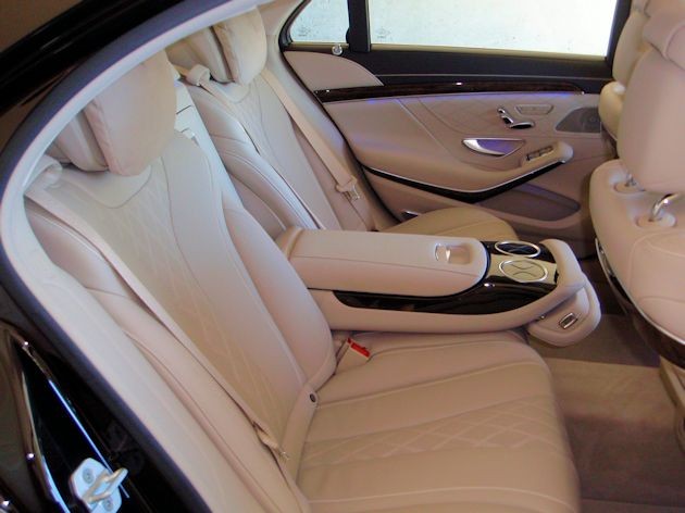 2014 Mercedes-Benz S550 rear seat