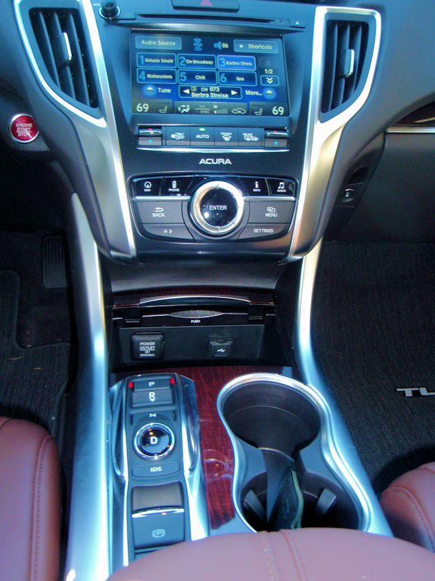 2015 Acura TLX console