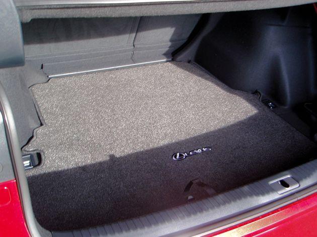 2015 Lexus IS 250 trunk