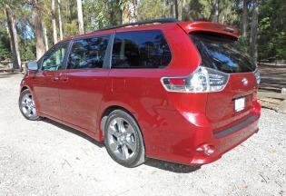 Toyota Sienna LSR