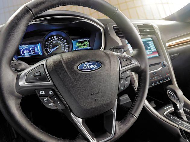 2015 Ford Fusion Energi dash