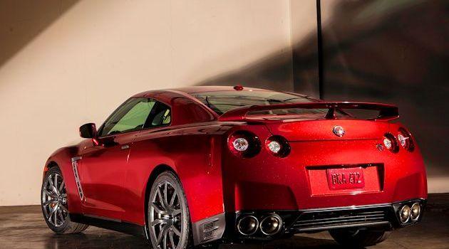 2015 Nissan GT-R Test Drive