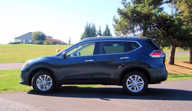 2015 Nissan Rogue side