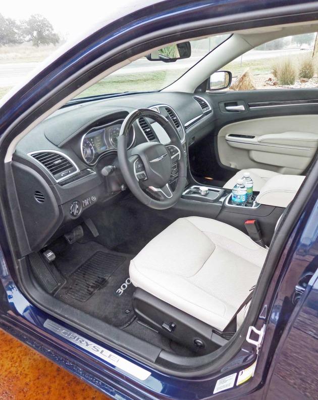 Chrysler-300-Int