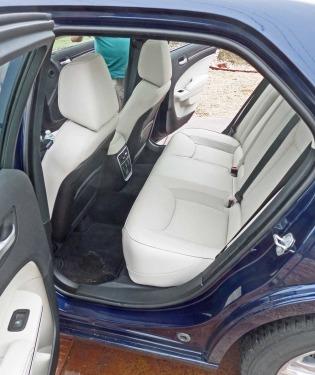 Chrysler-300-RInt