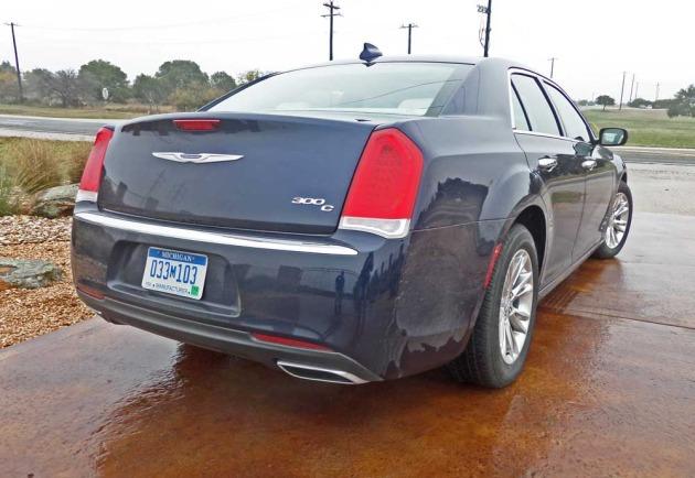 Chrysler-300-RSR