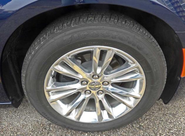 Chrysler-300-Whl