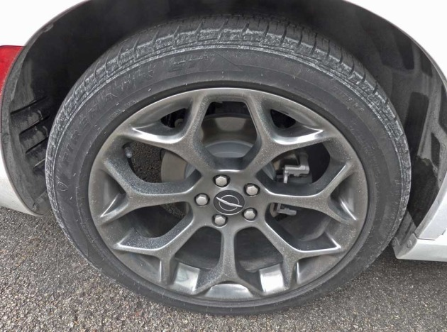 Chrysler-300-Whl7