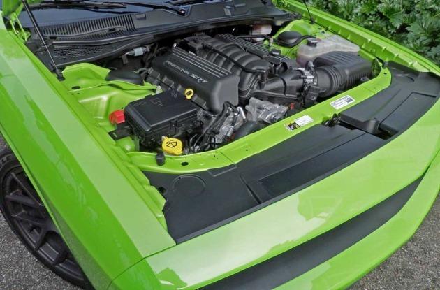Dodge-Challenger-Scat-Pack-Eng1