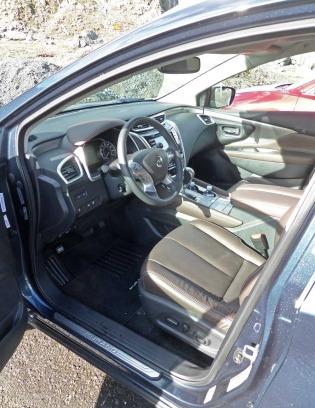 Nissan-Murano-Plat-AWD-Int