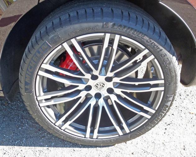 Porsche Macan Turbo Whl