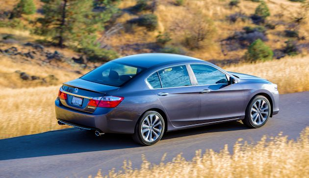 2015 Honda Accord Sport rear q