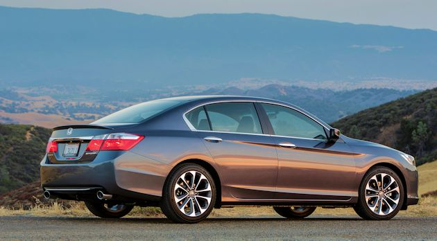 2015 Honda Accord Sport side 2