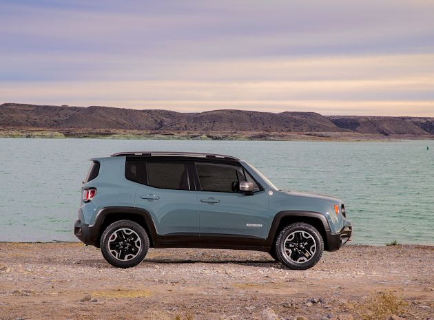 2015 Jeep Renegade side 2