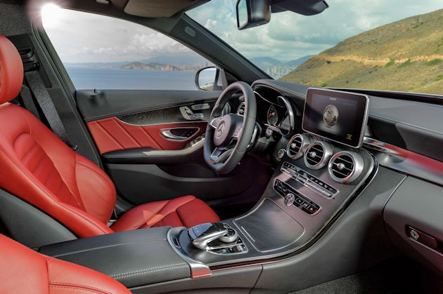 2015 Mercedes-Benz C400 interior