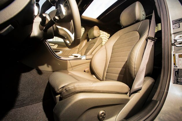 2015 Mercedes-Benz C400 seats