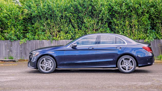 2015 Mercedes-Benz C400 side