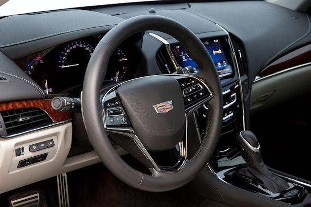 205 Cadillac ATS Coupe dash