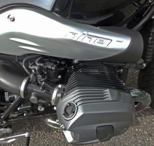 BMW-R-nineT Logo