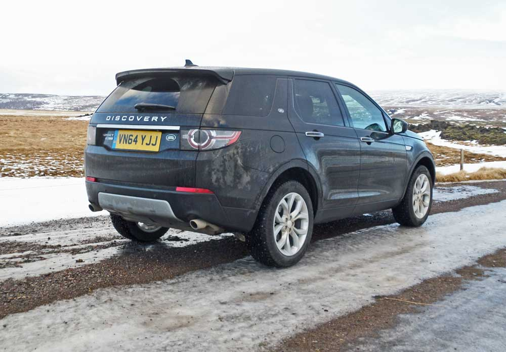 2015 land rover discovery sport hse lux test drive our auto expert. Black Bedroom Furniture Sets. Home Design Ideas