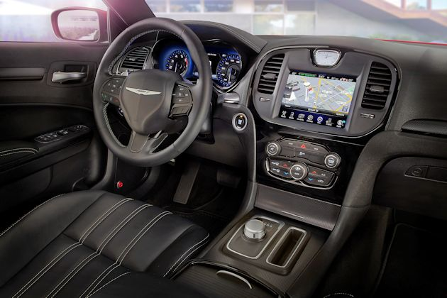 2015 Chrysler 300 dash 2
