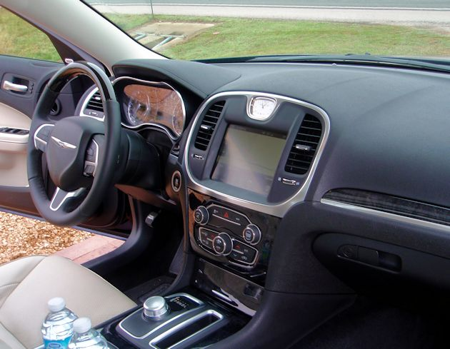 2015 Chrysler 300 dash