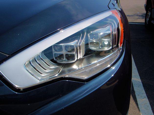 2015 Kia K900 LED headlight