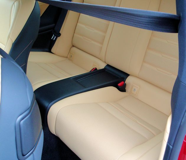 2015 Lexus RC 350 rear seat
