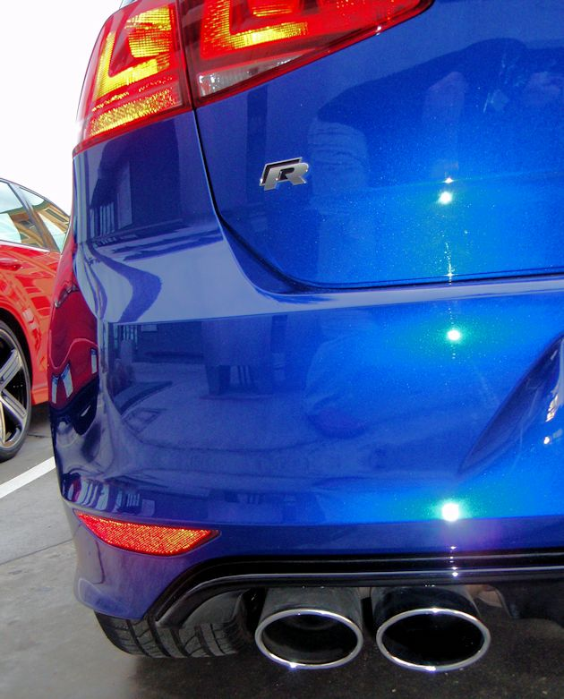2015 Volkswagen Golf R rear light