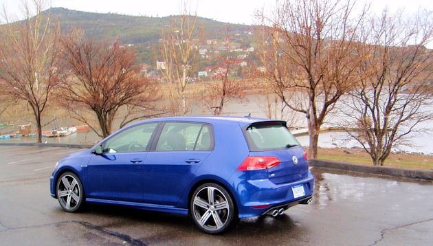 2015 Volkswagen Golf R rear q